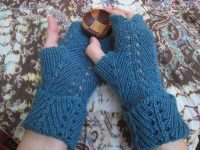 Versa Lace Alacrity mitts med.JPG